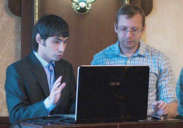 Сергей Павленко и Евгений Летов обсуждают способы формирования сниппета